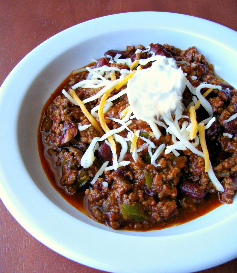 The ultimate in comfort food, this chili can be done all in one pot for easy cleanup. This makes a LOT of chili, perfect for a large family or for freezing. Easy Spicy Chili Recipe - Genius Kitchen.